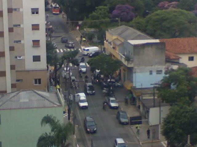 Acidente de carro na esquina da Cubatão com Tomás Carvalhal